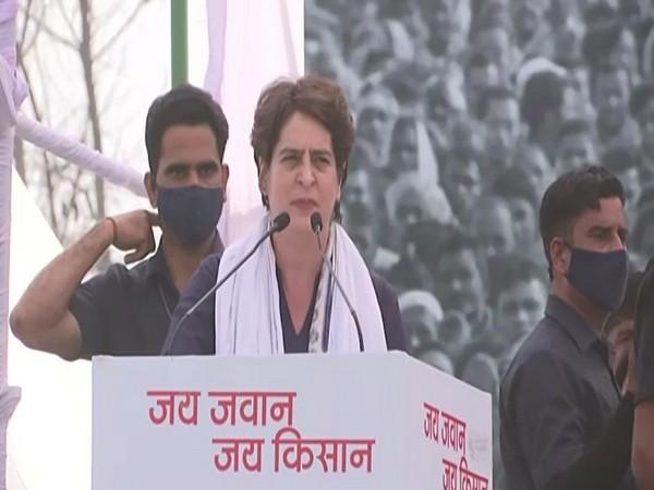 Priyanka Gandhi Vadra addresses Kisan Mahapanchayat in Uttar Pradesh's Meerut. [Photo/ANI]
