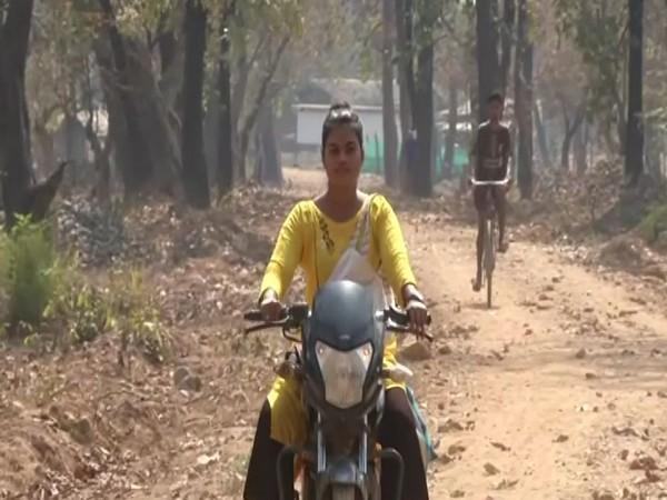 Bhagyashree Lekami, 21-year-old sarpanch of Koti village located in Gadchiroli district of Maharashtra. [Photo/ANI]