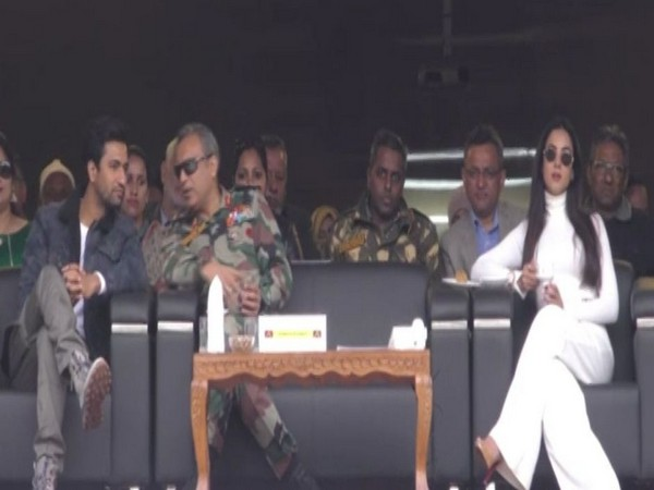 """Actors Vicky Kaushal and Sonal Chauhan with Major General Varinder Vats at """"Umeed Ki Sehar"""" in Uri on Sunday."""