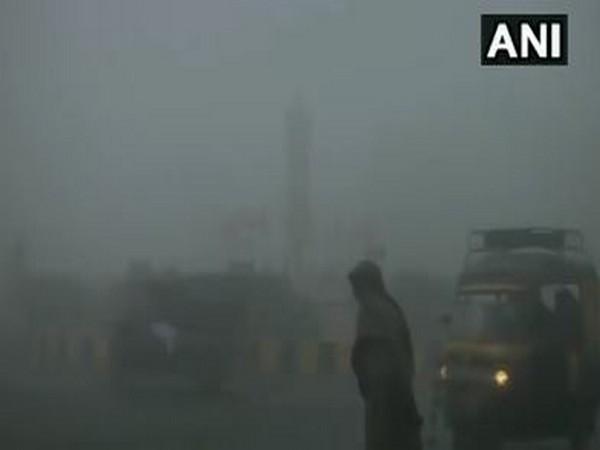 Amritsar woke up to dense fog and low visibility on Monday. [Photo/ANI]