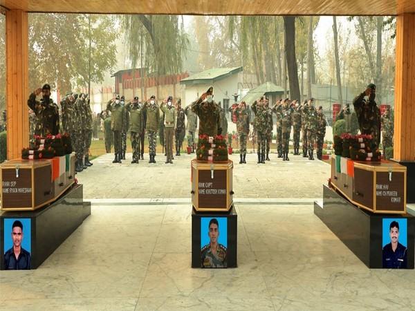 Army personnel pay tribute to Captain Ashutosh Kumar, Havildar CH Parveen Kumar, Sepoy Ryada Maheshwar on Tuesday. [Photo/ANI]