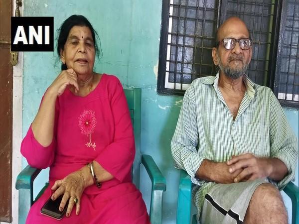 Veteran art director Leeladhar Sawant and his wife Pushpa Sawant
