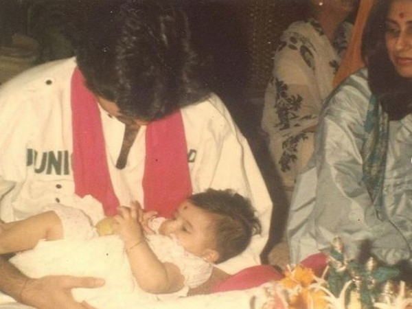 Childhood picture of Sonam Kapoor with father Anil Kapoor (Image Source: Instagram)