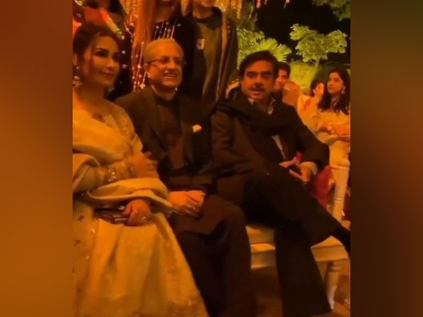 Actor-turned-politician Shatrughan Sinha at a wedding event in Lahore, Pakistan (Photo: Screengrab of Instagram video)