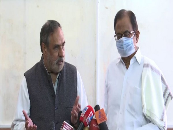 Congress leader Anand Sharma and  P. Chidambaram
