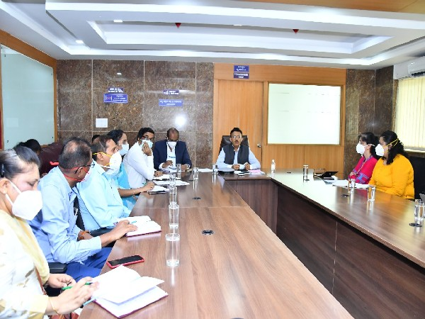 BBMP Chief Commissioner Gaurav Gupta held a meeting with Paediatric experts