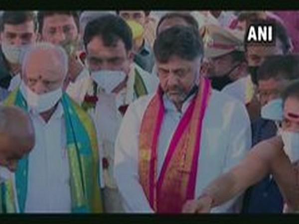 Karnataka Chief Minister BS Yediyurappa and Congress president DK Shivakumar (Photo/ANI)