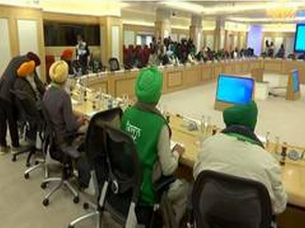 Visual of a meeting between government, farmers' leaders underway at Vigyan Bhawan. (Photo/ANI)