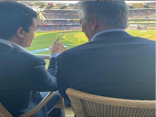 Sourav Ganguly with Steve Waugh (Photo/ Sourav Ganguly Instagram)
