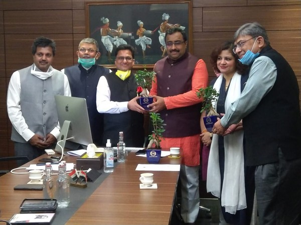 Members of PHD Chamber with BJP leader Ram Madhav in New Delhi on Thursday [Photo/ANI]