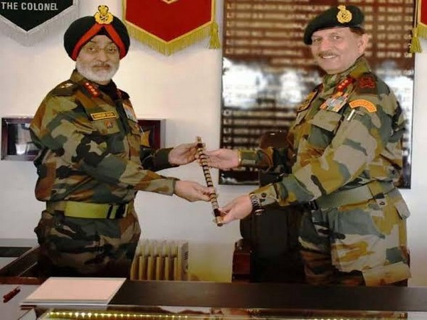 File picture of 14 Corps Commander Lt Gen Harinder Singh with present Northern Army Commander Lt Gen YK Joshi.