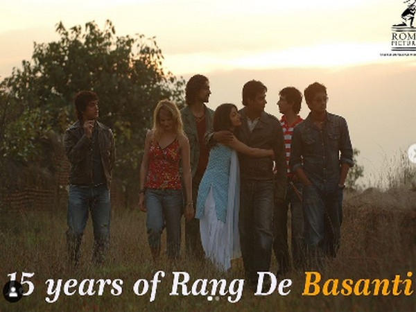 A poster of the film 'Rang De Basanti' celebrating its 15 years (Image Source: Instagram)