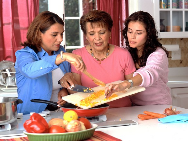 Children watching cooking shows featuring healthy food more likely to make healthier food choices