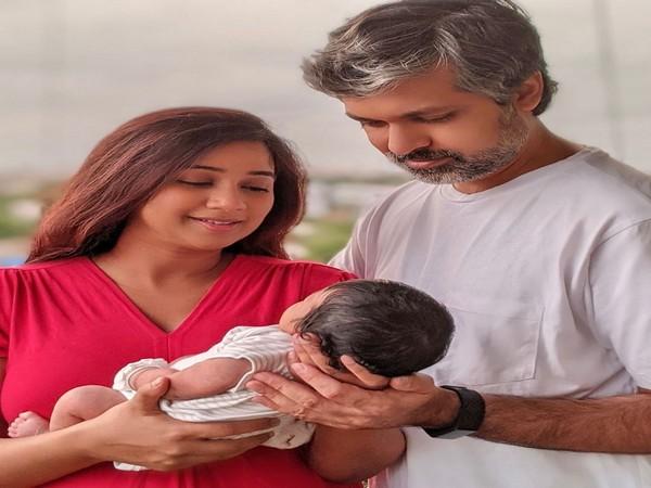 Shreya Ghoshal with her husband Shiladitya Mukhopadhyaya and their newborn son (Image source: Instagram)
