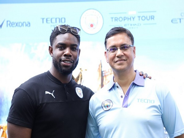 Arijeet Talapatra CEO Transsion India along with Club Legend Micah Richards at the #TecnoLovesManCity event part of Manchester City India Trophy Tour held in Delhi