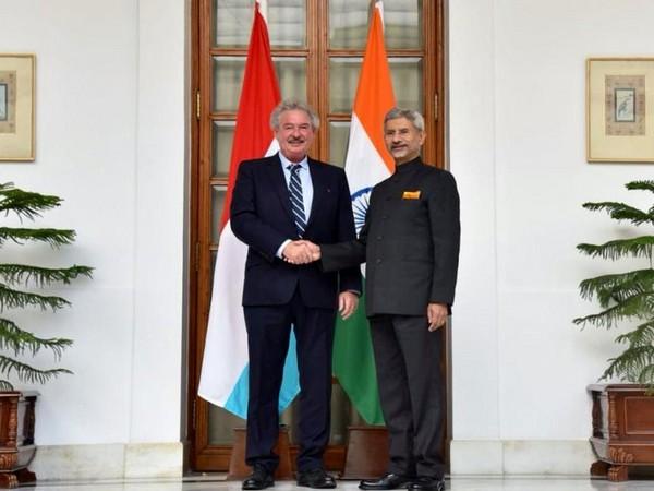 External Affairs Minister S Jaishankar (L) and Luxembourg Foreign Minister Jean Asselborn