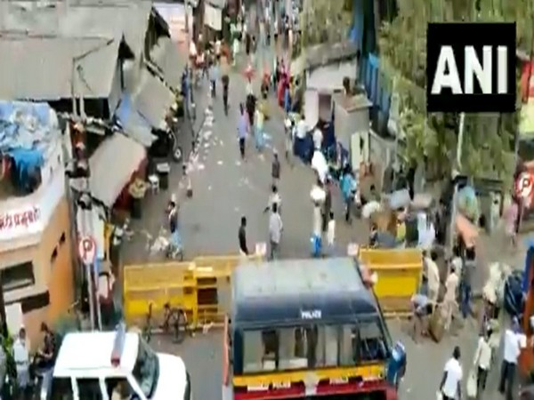 A view of Mumbai's Byculla market on Thursday after the announcement of fresh COVID lockdown guidelines. [Photo/ANI]