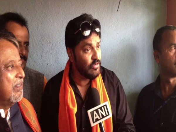 Union Minister and BJP leader Babul Supriyo speaking to ANI on Sunday in Asansol. Photo/ANI