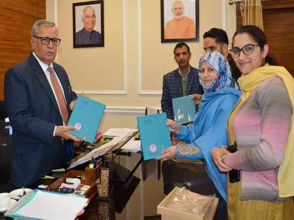 Farooq Khan, Advisor to Lt Governor GC Murmu, on Monday, released 'Beti Bachao Beti Padhao' theme-based diary of State Resource Centre for Women Development. Photo/ANI