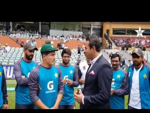 Musa Khan receives his debut cap from Wasim Akram (Photo/ PCB Twitter)