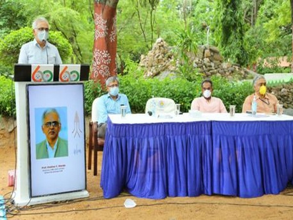 DG, CSIR, Dr Shekhar Mande addressing the staff and students of the three CSIR institutes in Hyderabad on Thursday.
