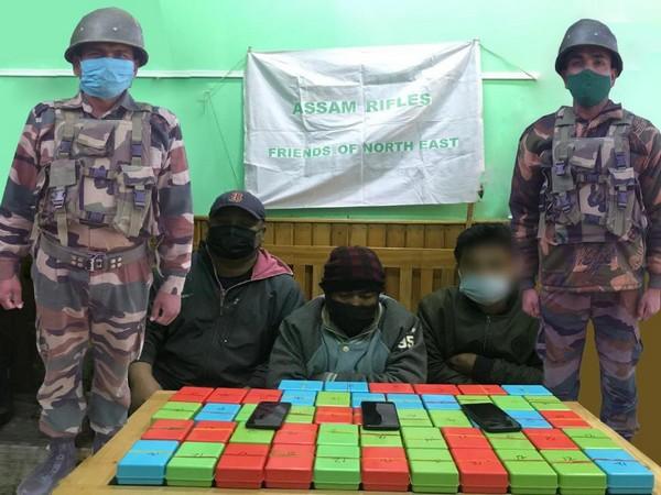 Accused drug traffickers held in Bishnupur.
