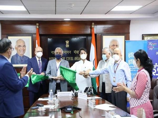 Civil Aviation Minister Jyotiraditya Scindia inaugurates first direct flight between Gwalior and Indore. (Pic Credit: PIB)