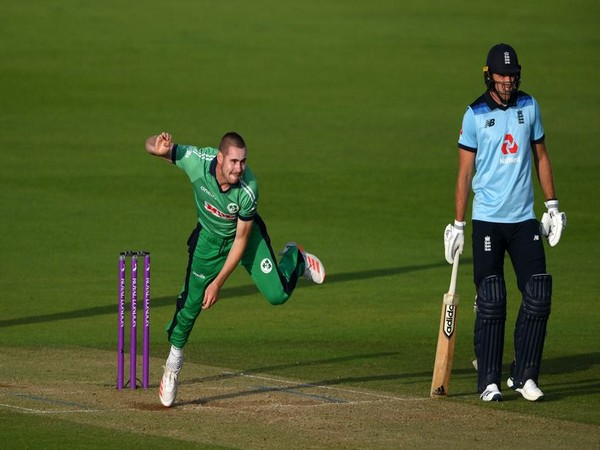 Ireland's pacer Josh Little in action against England (Photo/ICC)