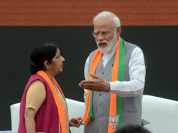 BJP leader Sushma Swaraj with Prime Minister Narendra Modi (File photo/ANI)