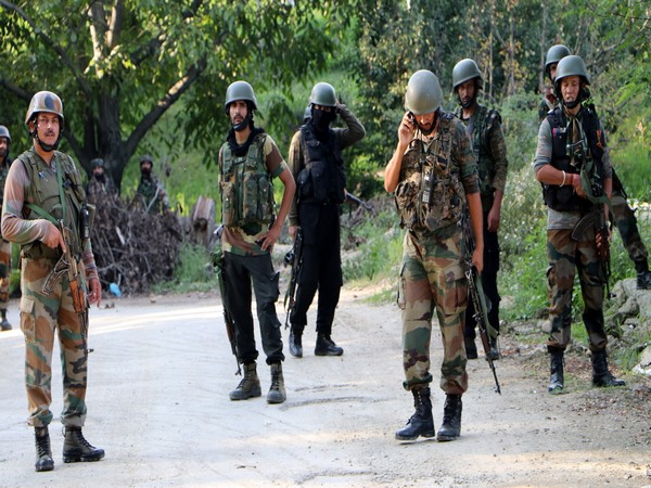 Security personnel guarding an encounter site in Kashmir Valley. (Representative image)