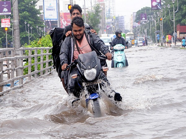 A waterlogged road after a downpour in North 24 Parganas of West Bengal. [Photo/ANI]