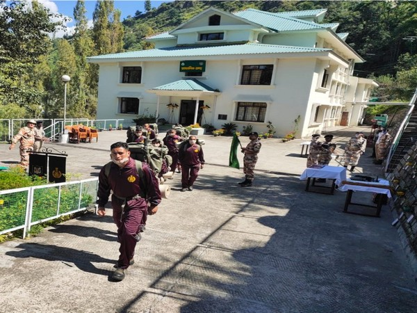 ITBP launched a 7-day trekking expedition to spread awareness on COVID-19 in Himachal Pradesh. (Photo: Twitter)