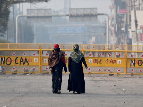 Commuters pass through the deserted shaheen bagh area (File photo)