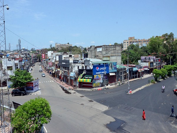 Deserted streets in Jammu and Kashmir during a weekend lockdown. (File photo)