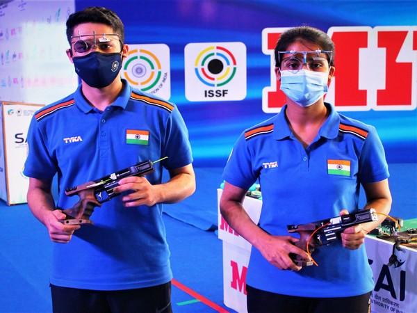 Vijayveer Sidhu and Tejaswini