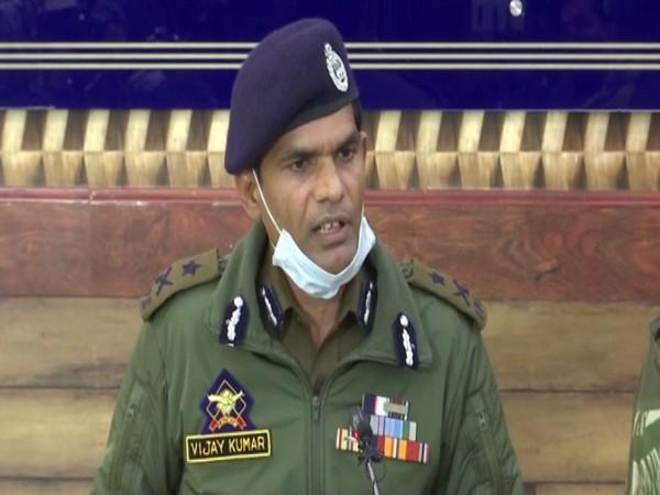 Kashmir IGP Vijay Kumar addressing a press conference in Srinagar on Monday. [Photo/ANI]