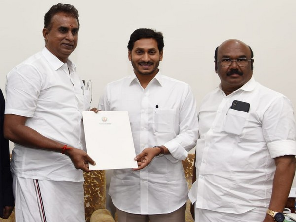 Water crisis: Jagan Mohan Reddy meets TN delegation, assures