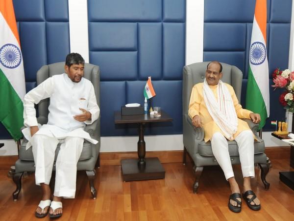 Union Minister Pashupati Kumar Paras (L), Lok Sabha Speaker Om Birla (R) (Photo/ANI)