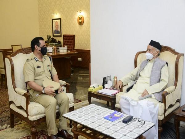 Mumbai Police Commissioner Hemant Nagrale meets Governor Bhagat Singh Koshyari