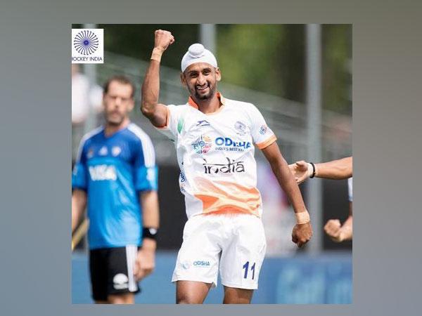 Indian hockey player Mandeep Singh (Photo/ Hockey India Twitter)