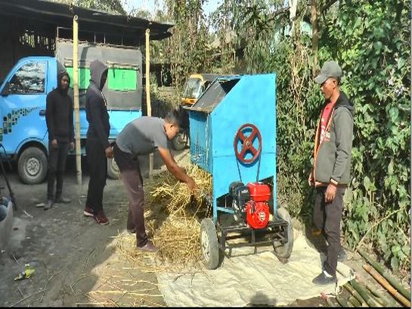 Low-cost threshing machine (Photo/ANI)