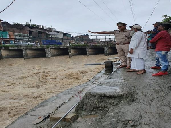 Police is prepared to help people in case the water levels rise in the district. Photo/ANI