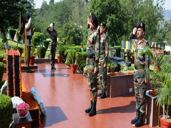 Northern Army Commander Lt Gen Ranbir Singh paging homage to martyrs at the war memorial on command raising day