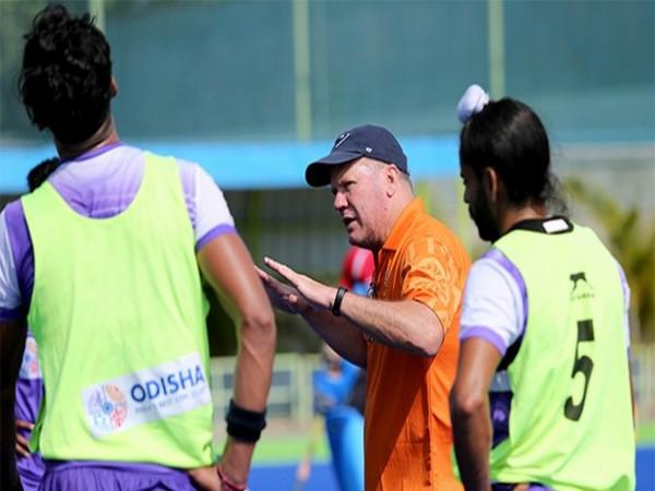 India coach Graham Reid with the team. (Photo/ Hockey India)