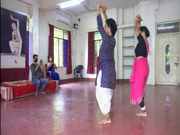 Students at the Guru Kelu Charan Mohapatra Odissi Research Centre in Bhubaneswar. (Photo/ANI)