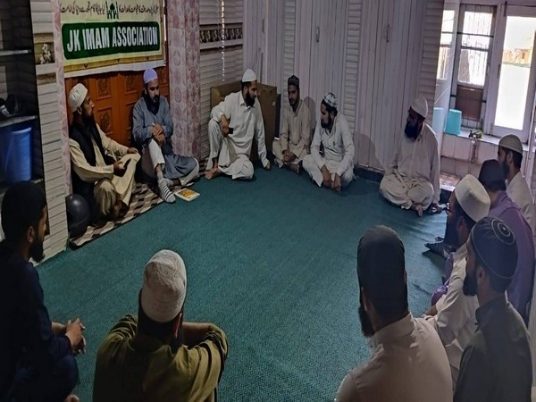 Visual of the interactive session by Imam Association in Srinagar (Photo/ANI)