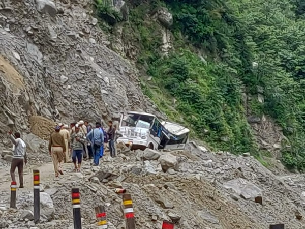 A boulder fell on a vehicle at Lambagad slide zone on Badrinath Highway [Photo/ANI]