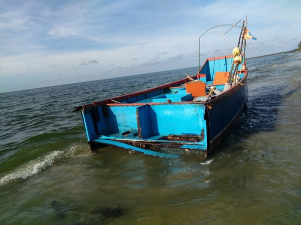The damaged boat washed ashore in Rameswaram on Saturday. Photo/ANI