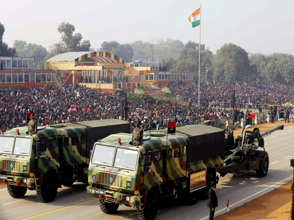 इस साल गणतंत्र दिवस परेड (Republic Day parade) बेहद खास होने जा रही है। समाचार एजेंसी एएनआइ की रिपोर्ट के मुताबिक, इस बार गणतंत्र दिवस की परेड के मार्चिंग दस्तों में बांग्लादेशी सैनिक