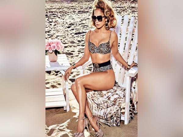Jennifer Lopez in Spring '20 Campaign of Guess (Image courtesy: Instagram)